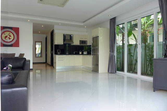 House for sale Jomtien looking towards the kitchen