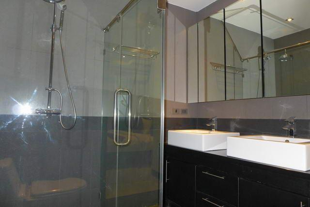 House for sale Jomtien showing a bathroom