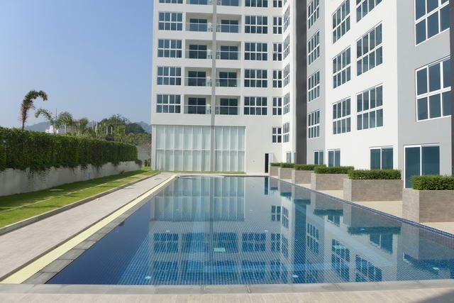 Condominium For Sale South Pattaya showing the communal pool