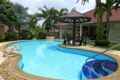 House For Sale Pattaya showing the private pool