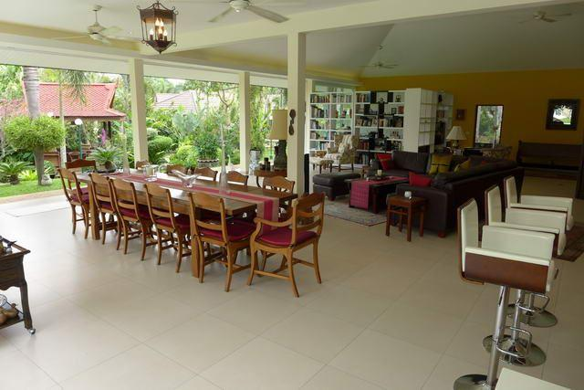 House For Sale Pattaya showing the large dining area
