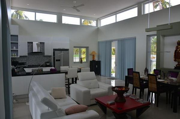 House for sale Pattaya Huay Yai showing the open plan concept