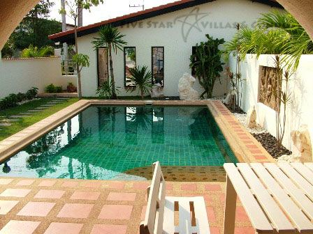 House for rent Pattaya Mabprachan showing the pool and house