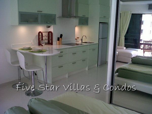 Condominium for rent in Jomtien at VT3 showing the kitchen area