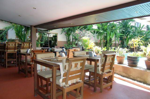Serviced Apartments For Sale Pattaya showing the restaurant area
