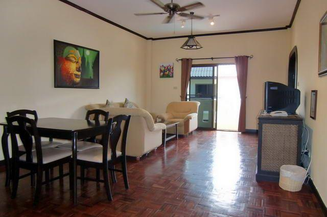 Serviced Apartments For Sale Pattaya showing a studio