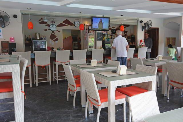 Commercial for sale in Pattaya showing the restaurant