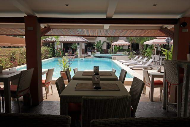 Commercial for sale in Pattaya showing the poolside restaurant