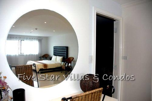 Condominium for rent on Pratumnak showing the master bedroom mirror