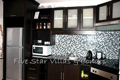 Condominium for rent on Pratumnak showing the kitchen