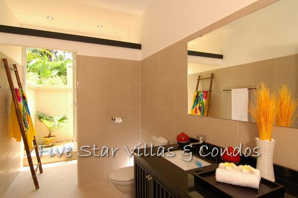 Pool villa for sale in Pattaya at The Vineyard Phase 2 showing the bathroom