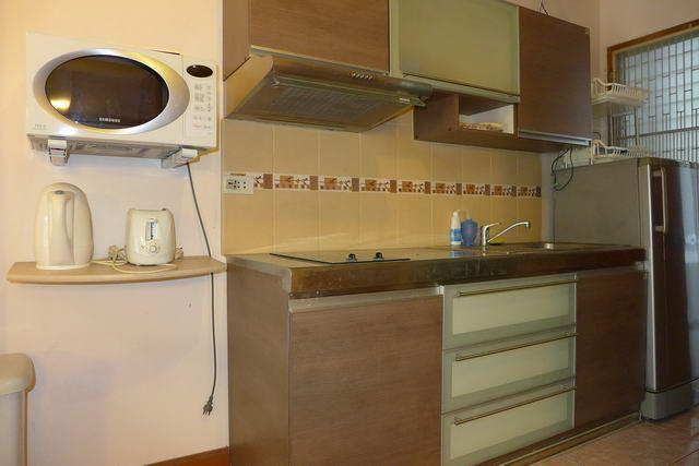 Condominium for sale in Jomtien showing the Kitchenette