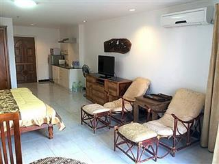 Condominium For Sale Jomtien showing the living and kitchen areas