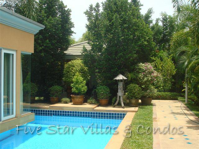 House for rent Pattaya Siam Royal View showing the private pool