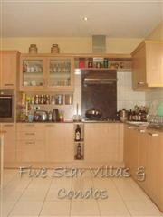 House for rent Pattaya Siam Royal View showing the kitchen
