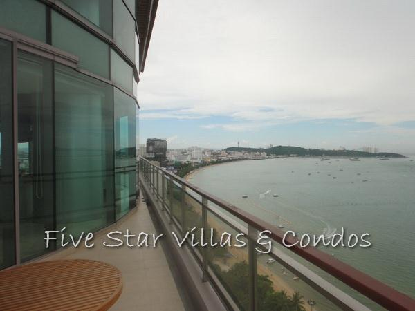 Condominium for rent on Pattaya Beach at Northshore showing the balcony view of Pattaya Bay