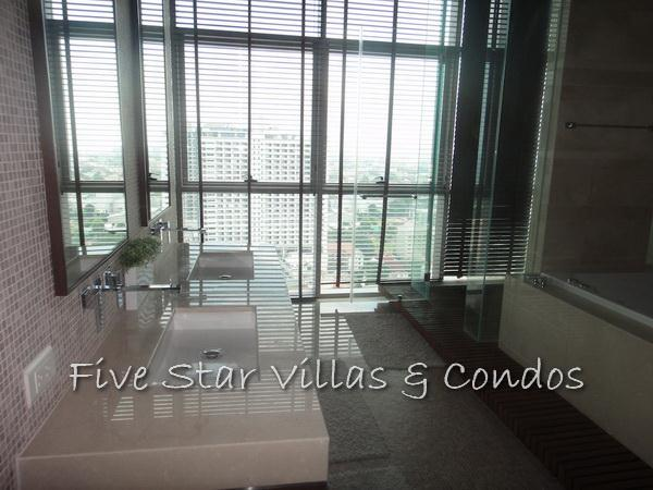 Condominium for rent on Pattaya Beach at Northshore showing a bathroom