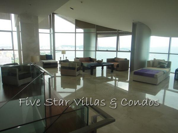 Condominium for rent on Pattaya Beach at Northshore showing duplex living