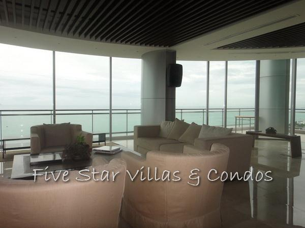 Condominium for rent on Pattaya Beach at Northshore showing large sitting areas