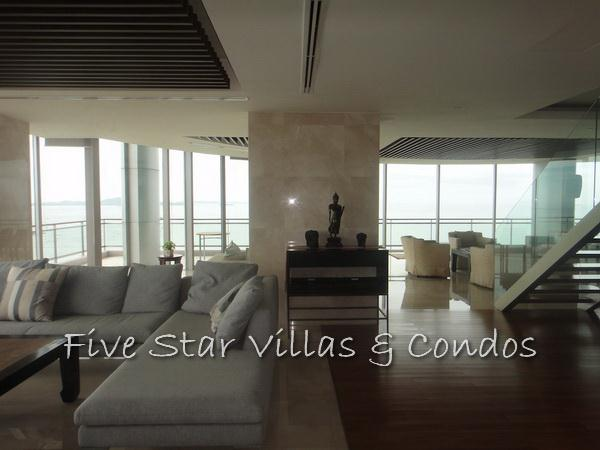Condominium for rent on Pattaya Beach at Northshore showing open plan living area