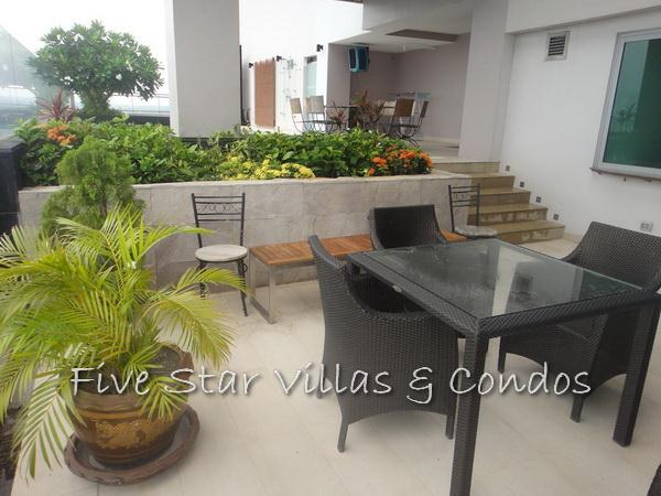 Condominium for rent on Pattaya Beach at Northshore showing the patio terrace