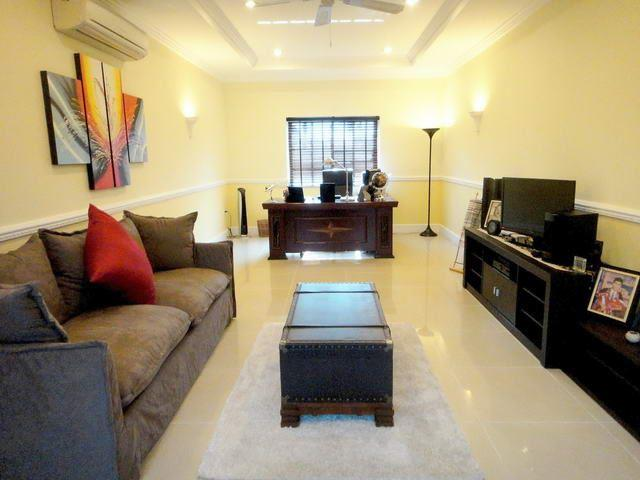 House for sale East Pattaya showing the living and office areas
