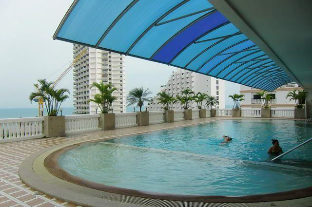 Condominium for sale in Naklua Wong Amat showing the communal pool