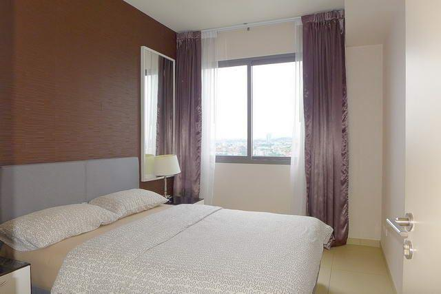 Condominium for sale South Pattaya showing the bedroom