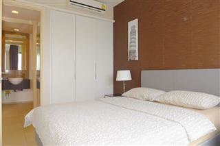 Condominium for sale South Pattaya showing the bedroom suite