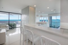 Condominium for sale Pratumnak Pattaya showing the dining and kitchen areas