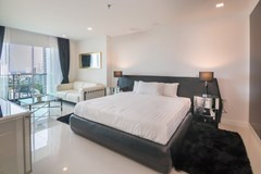 Condominium for sale Pratumnak Pattaya showing the third bedroom and balcony