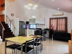 House for Sale East Pattaya showing the dining, lounge and kitchen