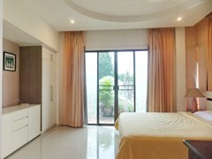 House for Sale East Pattaya showing the master bedroom and balcony