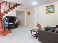 House for rent Pratumnak Pattaya showing the living room