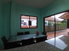House for rent East Pattaya showing the dining and terrace
