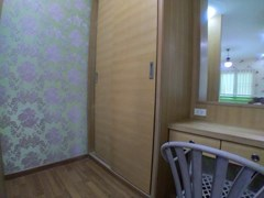 House for rent East Pattaya showing the master bedroom with dressing area