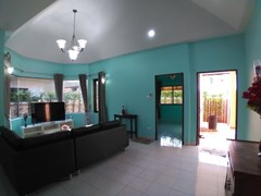 House for rent East Pattaya showing the living area and entrance