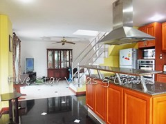 House for sale East Pattaya showing the kitchen and living areas