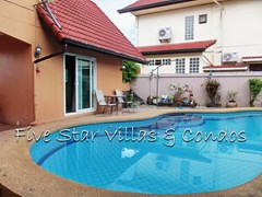 House for sale East Pattaya showing the pool and guest house