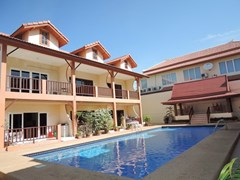 House for sale Pratumnak Hill Pattaya showing the house and swimming pool