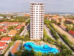 Condominium for rent Jomtien VIEW TALAY 2B showing the building and pool