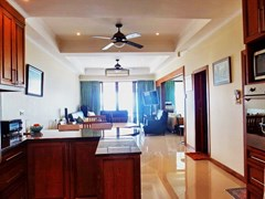 Condominium for rent Jomtien showing the living, dining and kitchen areas