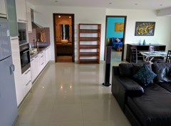 Condominium for rent Jomtien showing the open plan concept