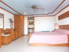 Condominium for sale Jomtien Pattaya showing the bedroom