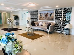 Condominium for sale Jomtien showing the lobby area