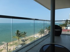 Condominium for sale Na Jomtien showing the balcony and view