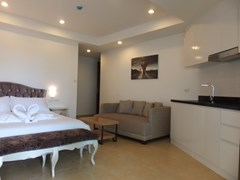 Condominium for sale Pratumnak Hill Pattaya showing the studio apartment