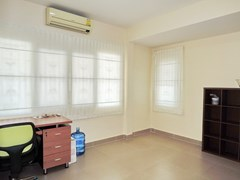 House for rent Pattaya showing the third bedroom office
