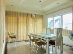 House for rent East Pattaya showing the dining room