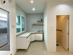 House for rent East Pattaya showing the kicthen and guest bathroom
